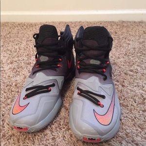 Nike LeBron 13 wolf gray size 9